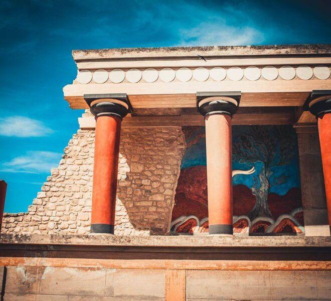 minona palace bull fresque
