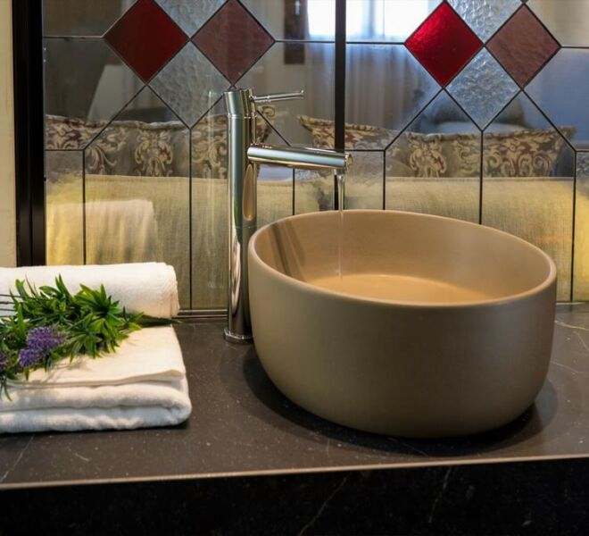 contessa boutique hotel bath room