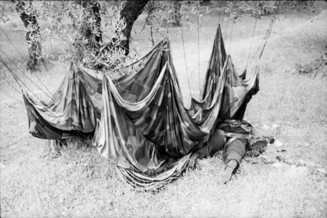 World war 2 in Crete German paratroopers casualties of war