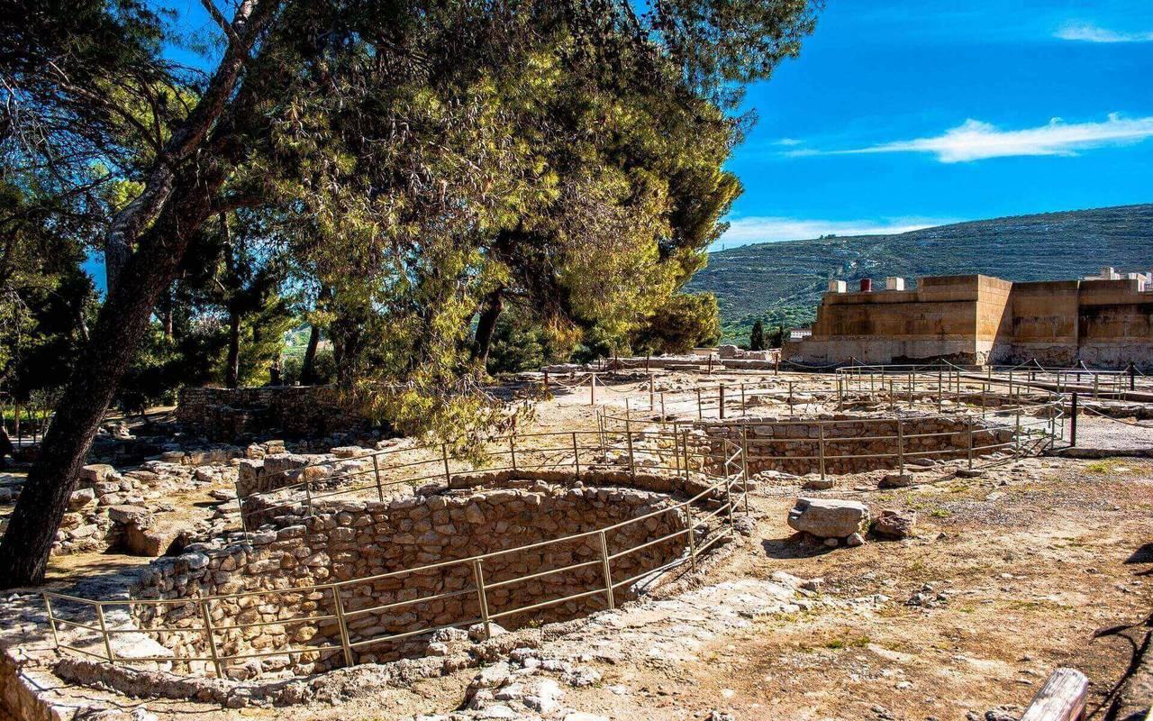 Knossos palace minoan kouloures