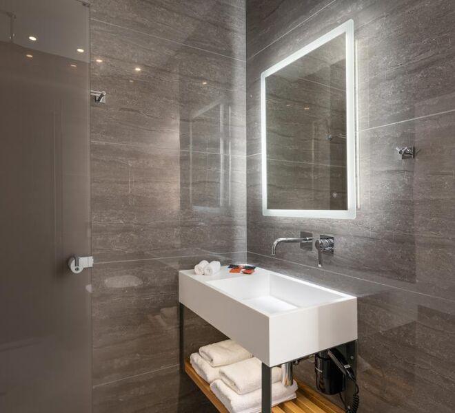 Epavli boutique hotel bathroom