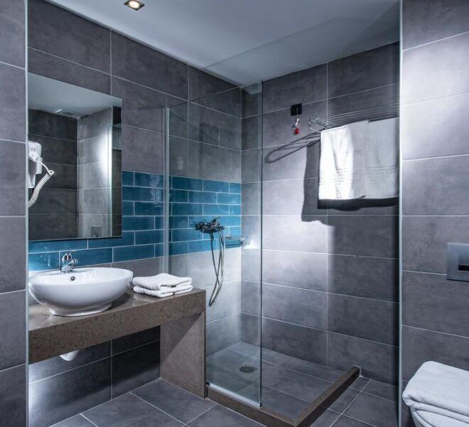 Infinity blue boutique hotel bathroom