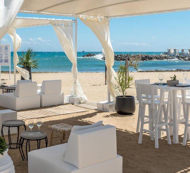 Knossos Beach Bungalows Suites Resort & Spa sea side bar