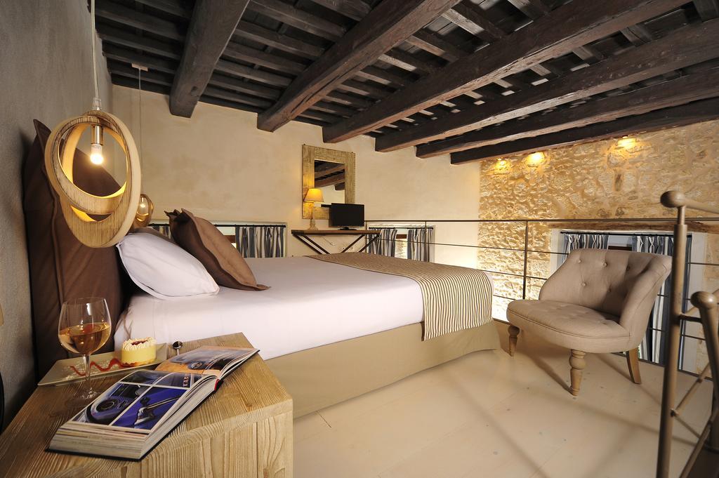 pepi boutique hotel bedroom